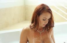 L'actrice mature Janet Mason se fait remplir la chatte - Vidéo creampie