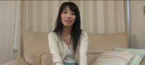 une-femme-japonaise-de-45-ans-est-baisee-creampie-vaginal