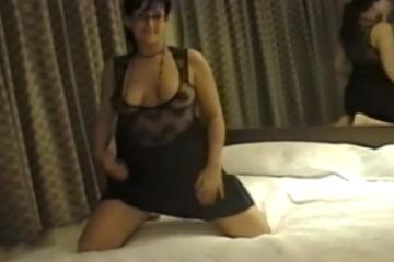 Il éjacule dans le cul de sa femme ronde - Creampie anal