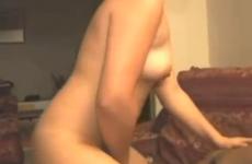 Une bonne dose de sperme pour cette femme - Cuckold creampie