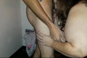 Le mari filme sa femme ronde se faire sauter par un inconnu - Cuckold creampie