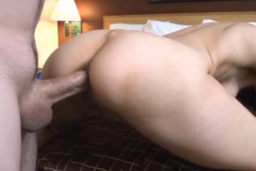 Son amant l'encule directement en levrette - Creampie anal