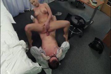 Vaginal creampie chez le medecin - Ejaculation interne
