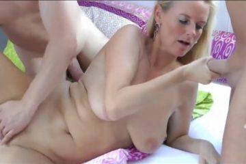 baisee-deux-fois-elle-se-prend-deux-creampies-vaginales-ejaculation-interne