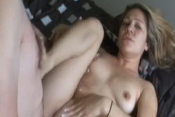 ejaculation-vaginale-pour-une-debutante-sexy-ejaculation-interne