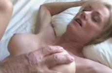 Creampie dans la chatte de ma vielle epouse cuckold - Ejaculation Interne