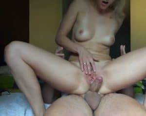 Fellation, levrette, cowgirl et creampie vaginale - Ejaculation Interne