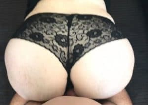 Il baise sa femme en lingerie noire et la remplit de sperme - Ejaculation Interne