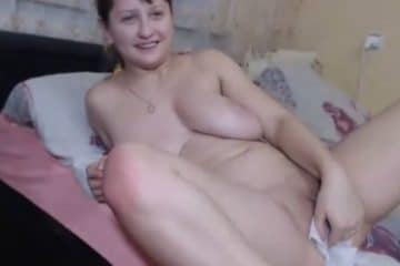 Sexe anal et ejaculation dans le cul pour cette belle russe - Ejaculation Interne