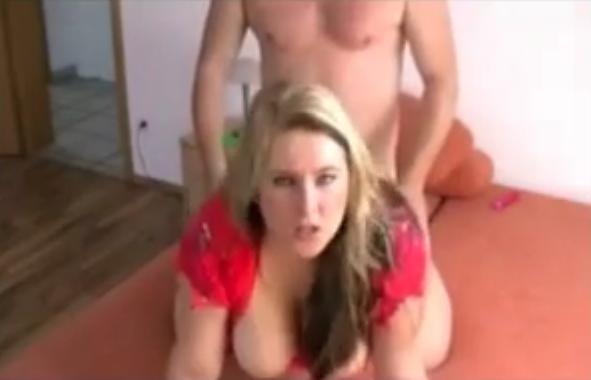 femme baisee en levrette grosse salope en levrette