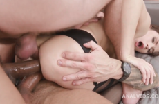 Triple anal et creampies